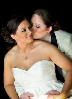 Wedding Photography - examining for fantastic photography on seizing that memorable couples snaps? Then pop by this cool image link number 1918291647 this instant. Wedding Advice, Wedding Pics, Wedding Bride, Wedding Ceremony, Wedding Day, Lgbt Wedding, Wedding Album, Wedding Themes, Wedding Stuff