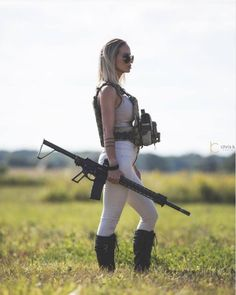 Girls Rules, N Girls, I Love Girls, Female Soldier, Military Women, Guns And Ammo, Photo And Video, Beautiful, Firearms
