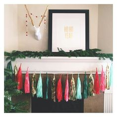 I LOVE THIS SIMPLE CHRISTMAS DECOR! #adndesigns #studiomucci #readbetweenthelinespaper #benziefelt