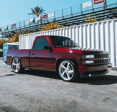 Front in Friday😈 Chevy Trucks Lowered, Obs Truck, Custom Chevy Trucks, Chevy Pickup Trucks, Chevy Pickups, Chevrolet Trucks, Gmc Trucks, Custom Cars, Chevy Silverado