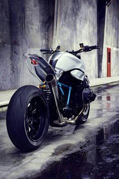 Superbike Titanium Alloy.Those shank makes Muzaffar frustrated..