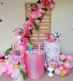 Flamingo Baby Shower, Flamingo Birthday, Barbie Birthday, Barbie Party, Baby Girl Birthday, Baby Shower Balloons, Balloon Decorations, Birthday Party Decorations, Birthday Parties
