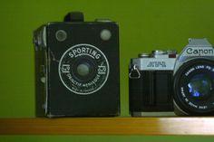 Google Image Result for http://www.fanny.foodbeam.com/wp-content/uploads/2009/08/vintage-cameras.jpg