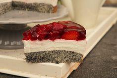Nummer 3 im Bunde ist dieses Erdbeer-Quark-Mohn-Törtchen. Boden: 100g Butter 50g Zucker 50g Zucker 5 Eier 200g Mohn,...