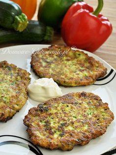 Placki z cukinii Tzatziki, Salmon Burgers, Zucchini, Snacks, Vegetables, Cooking, Ethnic Recipes, Food, Amazing
