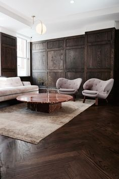 Aug Everyone loves that relaxed time in their comfortable living room. These are our best inspirations for amazing Living Rooms! See more ideas about Living room decor, Living room designs and Modern lounge. Masculine Living Rooms, Masculine Room, Dark Living Rooms, Living Spaces, Masculine Interior, Living Room Brown, Modern Living, Dark Wood Furniture Living Room, Dark Floor Living Room
