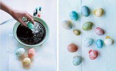 farbe abfließen-lassen ostereier-färben ideen-marmor effekt