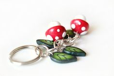 Mushrooms and leaves keyring in polymer clay by VeraCreations, €7.50
