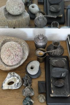 Gudrun Arndt; this seems to be a collection of objects, a personal arrangement.