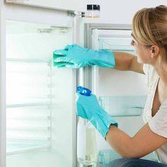 Καθαρισμός ψυγείου σε λιγότερο από 15' εκατοστό προς εκατοστό !