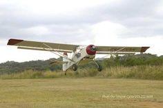 A Kitfox IV demonstrating a short field take off