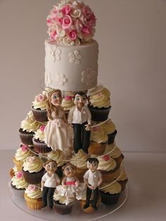 Wedding Cake and Cupcakes by Cakesalouisa, Gold Coast, Queensland, Australia. You'll find this Cake Appreciation Society Member in our Directory at www.cakeappreciationsociety.com