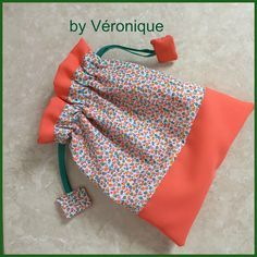 Tuto lined pouch ultra easy to do!- Tuto lined pouch ultra easy to do! – Bibs by-iaoraNanou Source by lmonnetmoutier - Coin Couture, Baby Couture, Couture Sewing, Creation Couture, Sewing Accessories, Handicraft, Diy And Crafts, Sewing Projects, Coin Purse