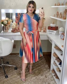 Plus Sise, Spring Outfits, Casual, Ideias Fashion, Wrap Dress, Short Sleeve Dresses, Things To Sell, Curves, How To Wear