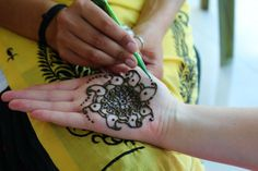 2 week pre-medical experience in Delhi - Oyster Gap Year, Oysters, Henna, Medical, India, Tattoos, Medical Doctor, Delhi India, Tatuajes