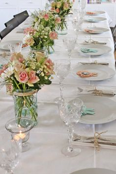 You can`t use up CREATIVITY. Mirror Centerpiece, Table Centerpieces, Anniversary Plans, Vibeke Design, Home Flowers, Wedding Table Decorations, Wedding Place Cards, Bridal Shower Invitations, Wedding Designs