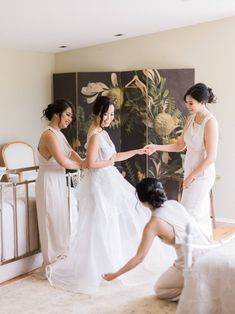 Wedding Getting Ready Preparation with Bride and Bridesmaid in Mt Wilson Blue Mountains