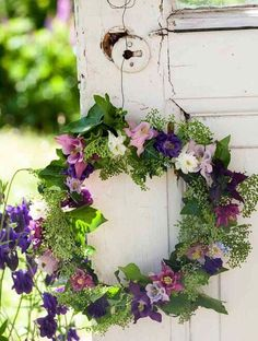 Lovely garden wreath...