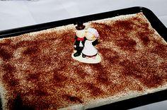 Schoko - Birnen - Kuchen mit Schmand. Ich lasse den Birnensaft weg und nehme 2/3 des Teiges und die Hälfte der Creme für eine Springform