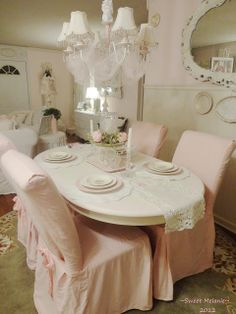 Pale pink dining chairs, so pretty.dream dining room, similar in some ways to mine Shabby Chic Mode, Style Shabby Chic, Shabby Chic Dining, Shabby Chic Pink, Vintage Shabby Chic, Shabby Chic Decor, Cottage Chic, Cottage Style Decor, Shabby Cottage