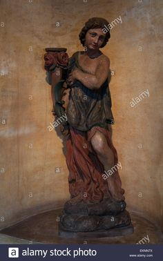 Download this stock image: Wooden statue, Castle of Gorizia - EKNN7X from Alamy's library of millions of high resolution stock photos, illustrations and vectors.