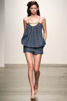 A Détacher New York - Spring Summer 2015 Ready-To-Wear - Shows - Vogue. New York Fashion, Runway Fashion, High Fashion, Fashion Show, Fashion Outfits, Fashion Design, Women's Fashion, Spring Summer 2015, Spring Summer Fashion