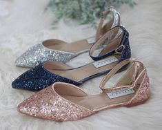 Women Wedding Shoes, Bridesmaid Shoes - ROSE GOLD ROCK Glitter pointy toe flats with organza bow - # Check more at schuhe. Shoes Rose Gold, Rose Gold Wedding Shoes, Gold Sparkly Flats, Glitter Flats, New Yorker Mode, Pointy Toe Flats, Bohemian Mode, Wedding Dress Trends, Bride Shoes