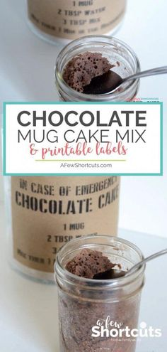 You need to make this Chocolate Mug Cake Mix Recipe to have on hand in case of emergency plus get the Free Printable Labels too! Such a great homemade gift idea too! gift in a jar Chocolate Mug Cake Mix - A Few Shortcuts Mug Recipes, Cake Mix Recipes, Gourmet Recipes, Desert Recipes, Cake Mix In A Jar Recipe, Printable Labels, Free Printable, Recipe Printable, Brownie In A Mug