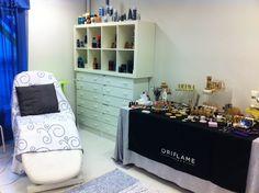 Hoitotuolissa on mukava nauttia Oriflame tuotteiden vaikutuksista.