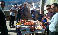 Paella con los amigos con unas impresionantes vistas