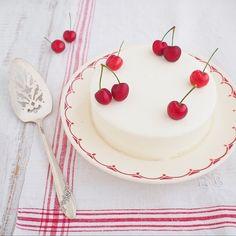 Instagram media by mamiaoyagi - Yogurt mousse cake