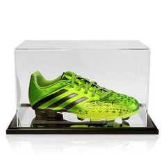 d6aa69b866e03 Adidas Predito Football Boot Hand Signed By Steven Gerrard With Acrylic  Display Autographed Soccer Cleats *