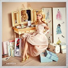 La aventura de los zapatitos dorados (3/4): Poppy Parker y el vanity silkstone   Flickr - Photo Sharing!