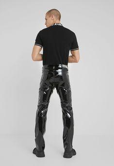 Leather Fashion, Mens Fashion, Latex Men, Harem Pants, Trousers, Wet Look Leggings, Leather Jeans, Versace Jeans Couture, Models