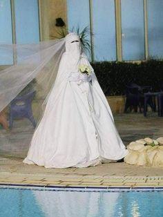 Wedding Abaya, Muslimah Wedding Dress, Muslim Wedding Dresses, Hijab Bride, Muslim Brides, Elegant Wedding Dress, Muslim Women, Bridal Dresses, Dress Muslimah