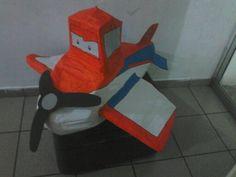 Piñata dusty aviones