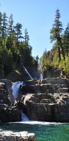 Lower Myra Falls, Strathcona Provincial Park, Vancouver Island, British Columbia, Kanada (Foto von SK-Kunde D. British Columbia, Canadian Travel, Canadian Rockies, Vancouver Island, Visit Canada, Canada Trip, Rocky Mountains, Places To Travel, Places To See