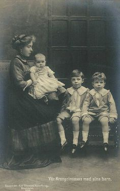Princess Margaret of Connaught, Crown Princess of Sweden and her children.