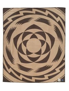 Pendleton Woolen Mills: POMO DAU BLANKET    http://www.pendleton-usa.com/product/Home-Blankets/Blankets/JACQUARD-BLANKETS/POMO-DAU-BLANKET/169459/sc/1694/c/1821/pc/1816.uts#