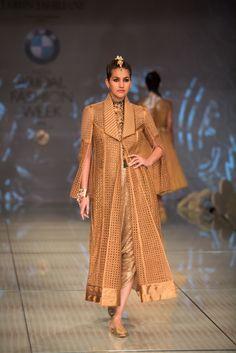 BMW India Bridal Fashion Week (IBFW) 2014 - Tarun Tahiliani's Show - Indian Wedding Site Home - Indian Wedding Site - Indian Wedding Vendors, Clothes, Invitations, and Pictures.