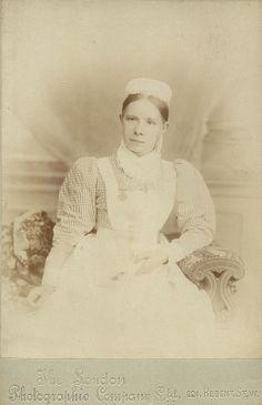 Unidentified Nurse London | Royal British Nurses Association badge