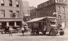 vintage everyday: Long Before Amazon, There Was Bookmobiles! These 30 Libraries-on-Wheels Looked Way Cooler Than Your Local Libraries