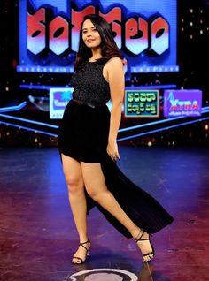 Anasuya Bharadwaj Long Cross Legs Tight Thighs Stills In Black Top - Actress Doodles Tv Actress Images, Actress Pics, Teen Actresses, Indian Actresses, Bollywood Celebrities, Bollywood Actress, South Indian Blouse Designs, Tight Thighs, Indian Actress Hot Pics