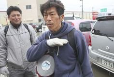 This is Hideaki Akaiwa. When the Tsunami hit his home town of Ishinomaki, Hideaki was at work. Realising his wife was trapped in their home, he ignored the advice of professionals, who told him to wait for the army to arrive to provide search and rescue.    Instead he found some scuba gear, jumped in the raging torrent ...