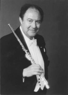 Jean Pierre Rampal.  I auditioned and was chosen to be one of four to play in his master class at the Conservatory in Cincinnati.  :)