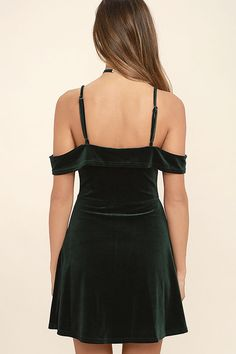 Evenings spent in the My Kind of Romance Dark Green Velvet Off-the-Shoulder Dress are bound to be romantic! Stretch velvet forms an off-the-shoulder neckline, supported by adjustable skinny straps. A darted bodice and fitted waist top a lightly flared skater skirt.
