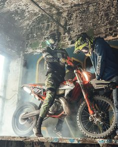 Concept Motorcycles, Cars And Motorcycles, Dirt Bike Racing, Bike Photo, S Car, Dirtbikes, Black Smoke, Extreme Sports, Bikers