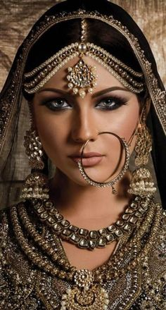 Best Pakistani gold jewellery sets for bridal wear and artificial diamond jewelry designs for wedding. Designers tanishq, kundan, indian and Asian jewelry. Bridal Makeup, Wedding Makeup, Wedding Bride, Wedding Dresses, Silver Nose Ring, Silver Earrings, Asian Bridal, Exotic Beauties, Pakistani Bridal