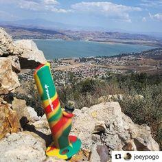 @joeypogo  Using my piece maker Kermit the bong 2600 feet above Lake Elsinore! @piecemakergear #piecemakergear #kermitthebong #byot #siliconbong #lakeelsinore #ortegahighway #rasta #redyellowgreen #lake #marijuana #weed #cannabis #420 #gethigh