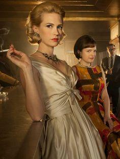 Vuelve Mad Men    Betty representa la moda New Look que nació en 1947 en París, concretamente en el taller de Christian Dior.